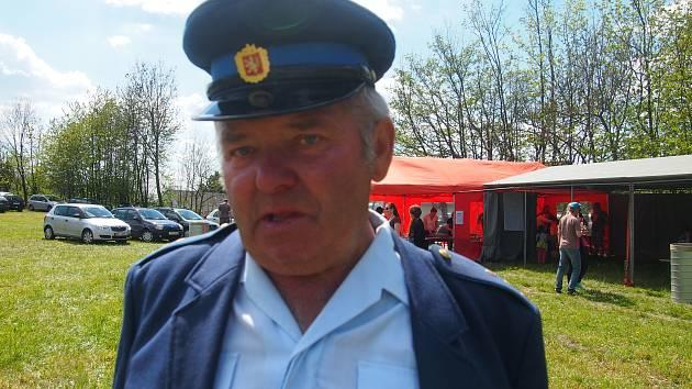 HASIČ. Místostarostou SDH Něžovice je František Koutník.