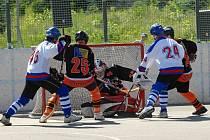 V úvodním zápase jarní části krajské ligy zvítězili hokejbalisté HC ŠD Písek nad béčkem českobudějovického Falconu 5:1.