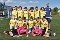 Hlavní trenér FC Písek kategorie U13 Petr Janda se svým týmem na Ondrášovka Cupu