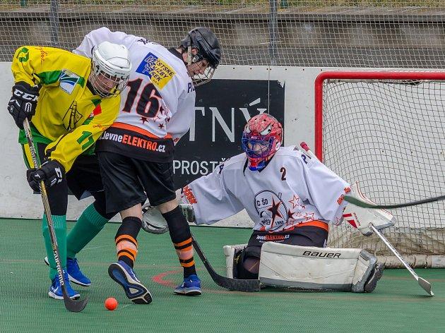 Hokejbalisté mladšího dorostu HC ŠD Písek hráli v Prachaticích.