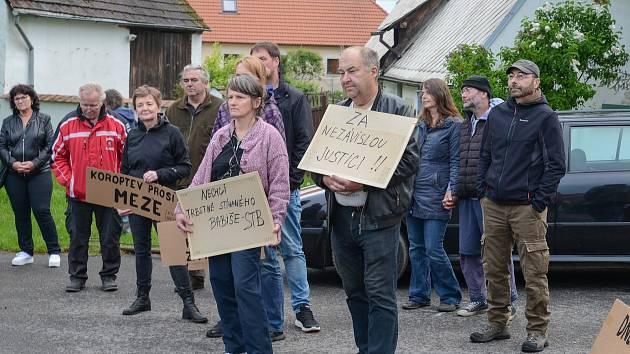 Protest v Radobytcích.