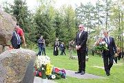 Uctění památky romského holokaustu v Letech.