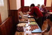 Sousedské setkání se soutěží o nejlepší moučník a oslavou MDŽ v Borovanech.