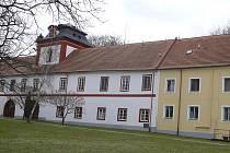 Zámek v Drhovli, kde sídlí Domov pro seniory Světlo.