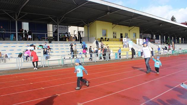 Královského maratónu se zúčastnili také ředitel společnosti Faurecia Components Vojtěch Janák se svými syny.