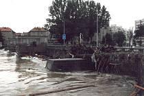 Nový most po povodni v roce 2002.