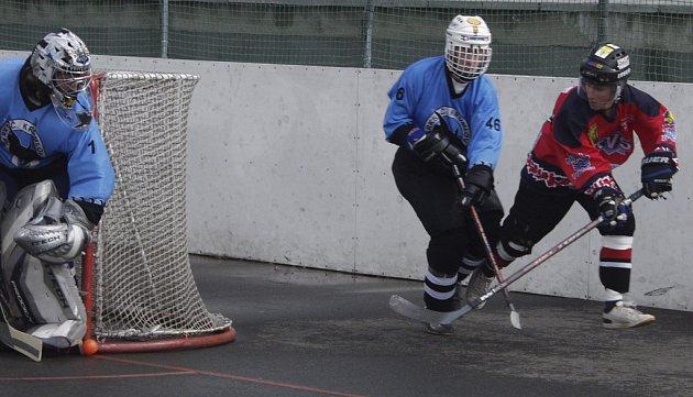 Hokejbalisté HC ŠD Písek vybojovali na dobře obsazeném turnaji v Litoměřicích pěkné třetí místo. Všechny zápasy pro ně byly dobrou přípravou na jarní část ligové soutěže.