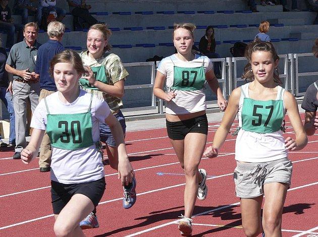 Součástí sobotního atletického závodu Písecká hodinovka v Písku bude i vytrvalostní závod dětí na dvanáct minut.
