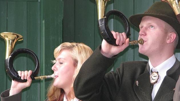 Víkendový seminář pro trubače ukončil koncert v Palackého sadech.