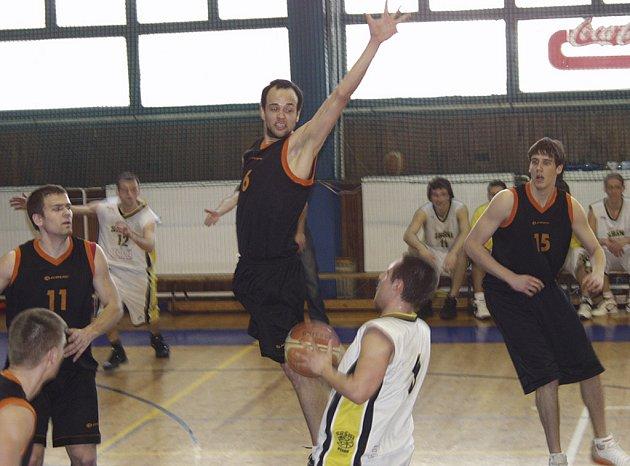 Basketbalisty Sokola Písek čeká těžké utkání nadstavby 2. ligy doma s celkem Rokycan.