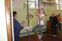 V mirovické základní škole se uskutečnil  XIV. ročník Memoriálu Bedřicha Šupčíka ve šplhu na tyči  a na laně.