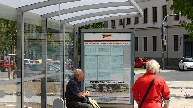 Autobusová zastávka v Písku. Ilustrační foto