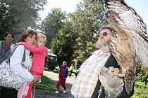 Myslivecké slavnosti v Milevsku.  Návštěvníci mohli vidět přehlídku psů, ukázku vábení jelenů, střeleckou soutěž nebo soutěž škol.