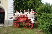 CHLOUBOU zbislavských hasičů je více než sto let stará stříkačka.