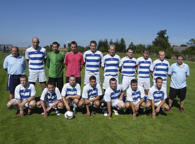Fotbalisté Smetanovy Lhoty (na snímku) vyhráli v sobotním zápase okresního přeboru nad Milenovicemi vysoko 8:1.