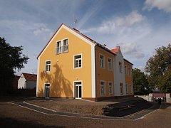 Slavnostní otevření fary v Pohoří, kde vznikly nové byty.