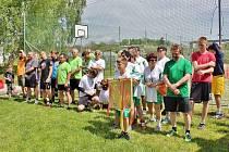 Chloubou obce Drhovle je upravené hřiště. Při jeho otevření se zde konal turnajv nohejbale.