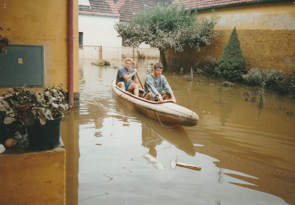 Obec Putim při povodni 2002.
