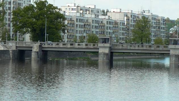 Sídliště Portyč v Písku - pohled od Kamenného mostu.
