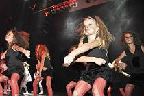 Snímek  je z jedné z choreografií Tanečního centra Z.I.P. Písek. Má název Kylie a autorem je Láďa Beran.
