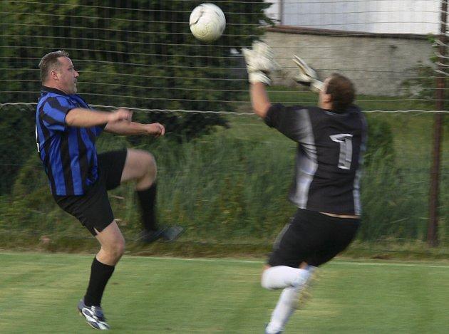 Také o tomto víkendu (1. - 2. 11.) se budou hrát zápasy podzimní části okresních fotbalových soutěží.
