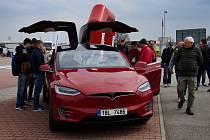 Předváděcí vůz Tesla. Ilustrační foto.