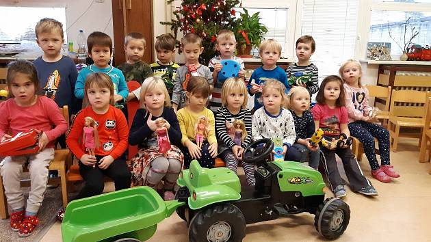 Mateřskou školu v Čimelicích navštívil Ježíšek.