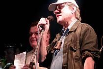 GREENHORNS. Mezi hlavní taháky letošních Alšových dnů bude patřit také skupina Greenhorns se zpěvákem Janem Vyčítalem (na snímku vpravo).