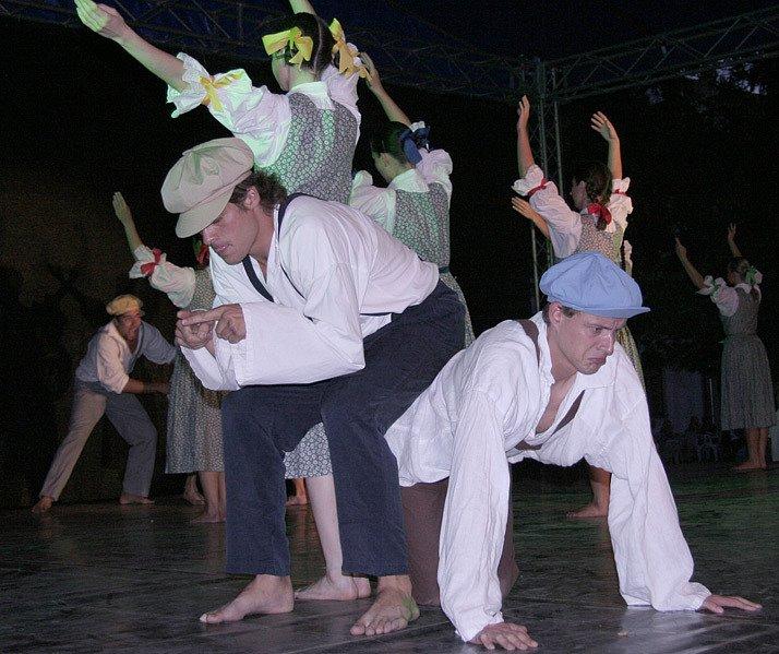Folklorní soubor Ondráš.