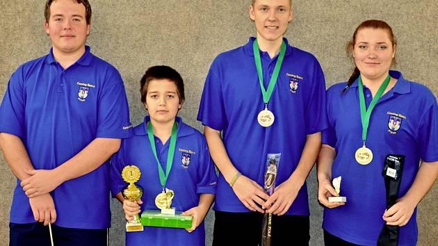 Na snímku je vítězné družstvo Písku. Zleva stojí: Filip Humpál, Vojta Humpál, Jiří Marek a Kateřina Marková.