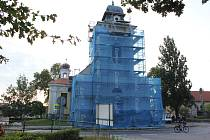 Rekonstrukce fasády kostela Nejsvětější Trojice v Čimelicích,