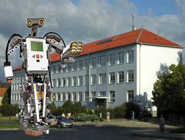 Roboti před Střední průmyslovou školou v Písku?