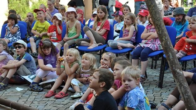 První svátek  patřil v Písku především dětem, na které čekaly Hrátky na Otavě.