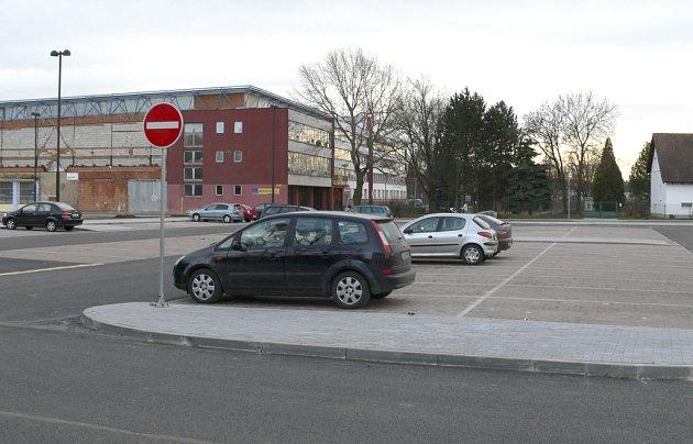 V rekonstruované části výstaviště je parkování pro více než 170 aut a osm autobusů.