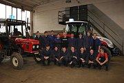Odloučené pracoviště SOŠ a SOU Milevsko ve Veselíčku. Tamní žáci dostali k Vánocům nový traktor.