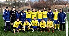 Sestava FC Písek před přípravným zápasem se Sedlčany.