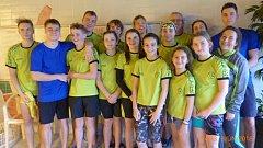 Závodníci píseckého plaveckého klubu.