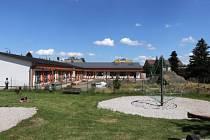 Stavba mirovické školky finišuje.