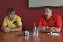 Sobotní zápas fotbalové divize FC Písek – TJ Dynamo ZČE Plzeň (3:3) hodnotili trenéři obou týmů: domácí Karel Musil (vlevo) a plzeňský Petr Kural.