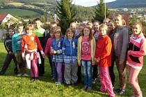 EXKURZE.  Na fotografii jsou děti ze ZŠ Chyšky  při výukovém programu Ovce, vlna a její zpracování v Centru ekologické výchovy  Dřípatka v Prachaticích. Na pobytu byli Chyšečtí  od 22. do 24. září.