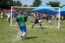 Penaltu zahrává hráč Oseka.