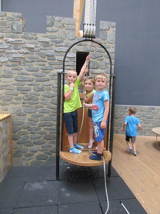 Děti vyrazily na výlet do Techmánie.