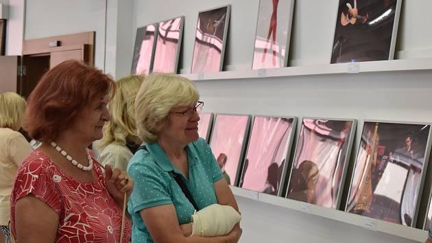V Galerii Portyč vystavují zaměstnanci Centra kultury.