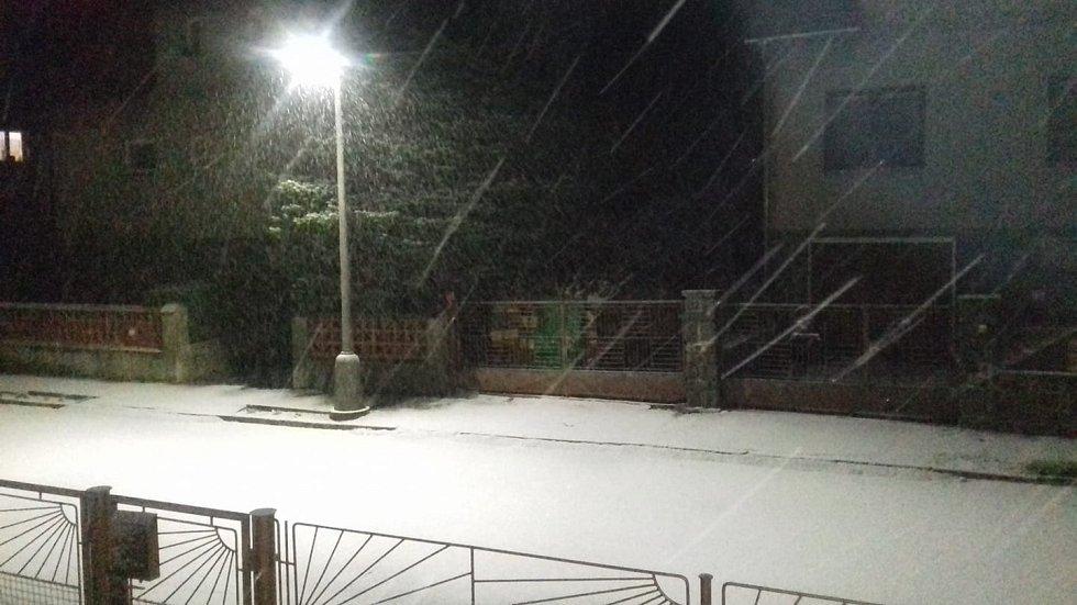 První sníh. Záhoří.