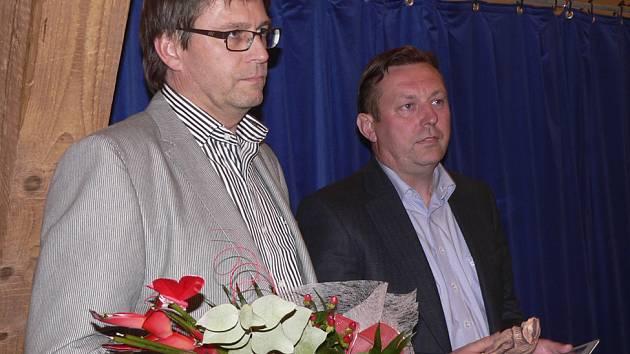 Z vyhlášení soutěže Živnostník a Firma Písecka 2007.  Na snímku za firmu Kočí jsou Radek Kočí a Milan Švehla.
