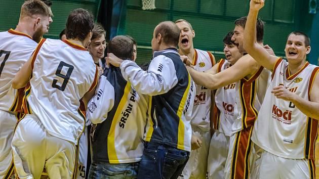 Prvoligoví basketbalisté Sršni Písek