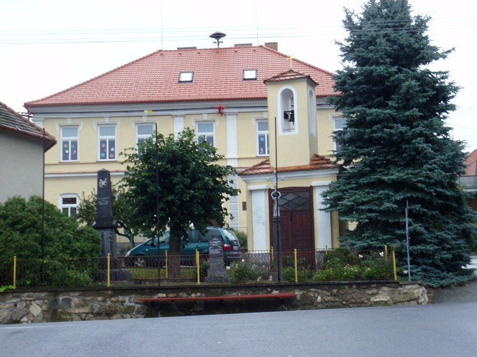 Základní škola Kluky.