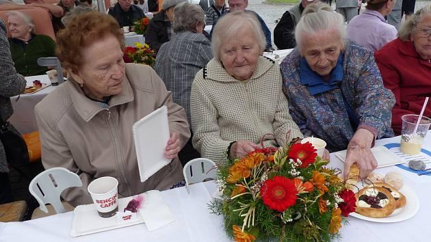 Zahradní slavnost se konala kdesátému výročí.