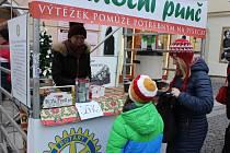 Benefiční prodej vánočního punče.