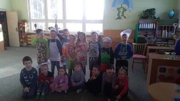Děti v Čimelicích si upekly muffiny.